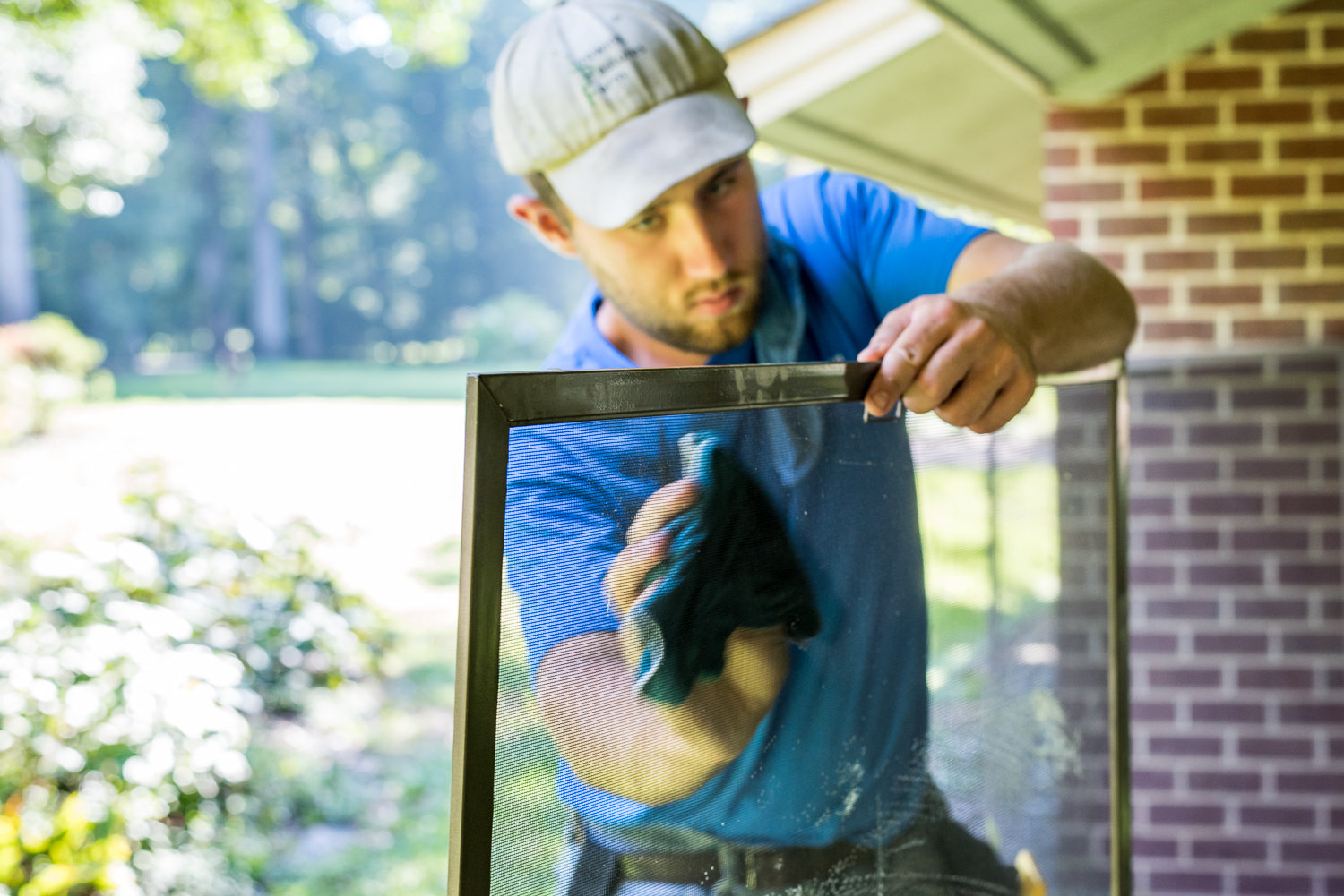 We can clean and replace your screen windows in Richmond, VA.